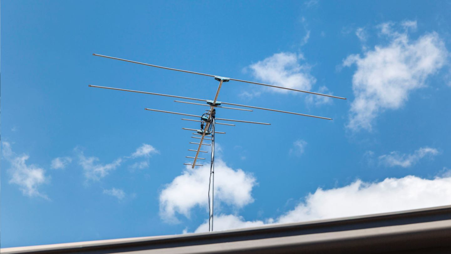 Considering An Outdoor Tv Antenna Here